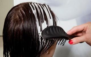 Для чего волосам нужна пена?