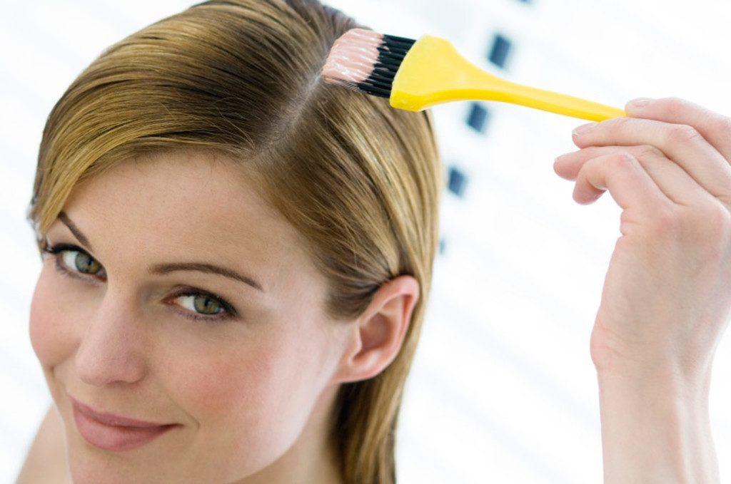 Возможно ли осветлить волосы маской