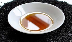 Масло черного тмина — незаменимый источник витаминов и питания для ваших волос