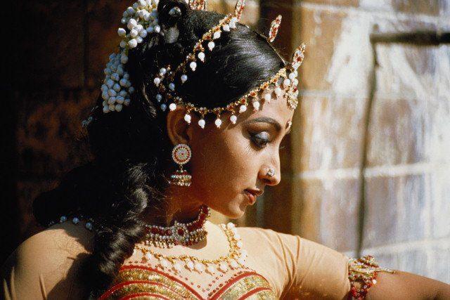 Полезные свойства индийских масел в уходе за волосами