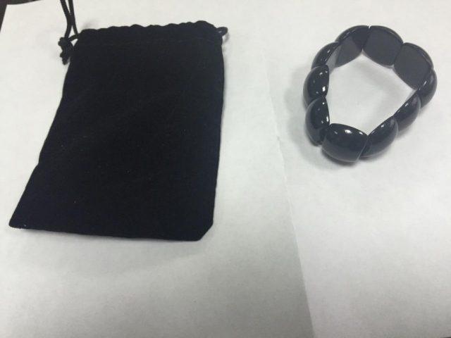 Некоторые особенности черного нефрита браслета Бяньши