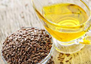 Способы применения льняного масло для ухода за локонами