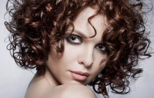 Какие шампуни подойдут для кудрявых волос?