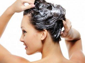 Насколько вредно мыть волосы гелем для душа?