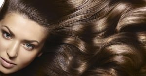 Молекулярное восстановление волос с помощью глянцевания