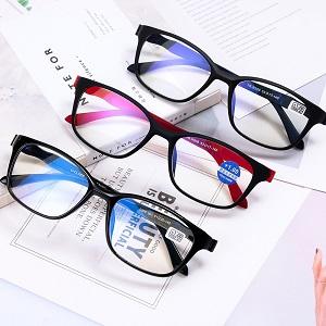 Несколько признаков того, что вам могут понадобиться очки
